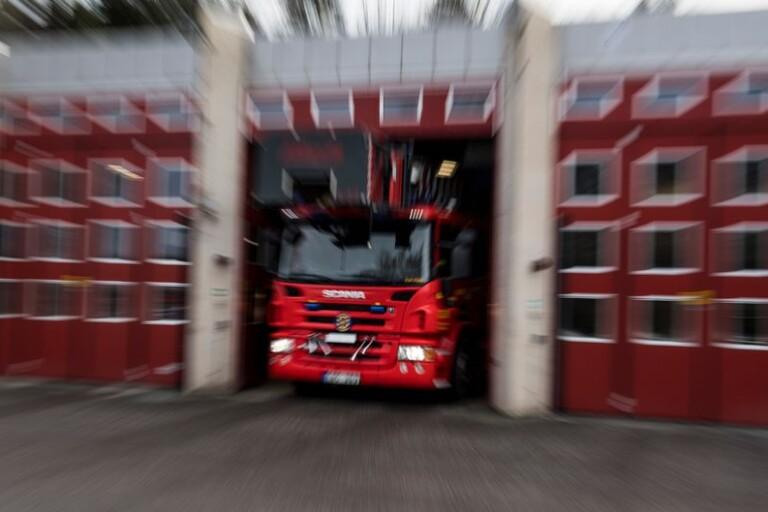 """Olsfors: Båt brann på trailer – """"totalförstörd"""""""