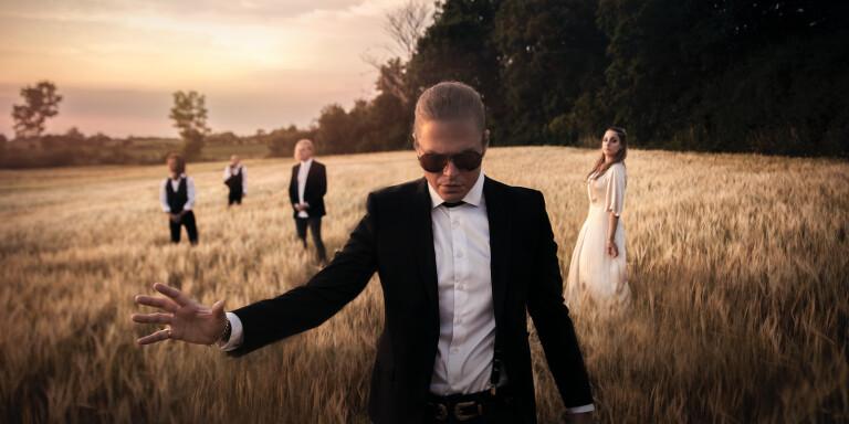 Rave the reqviem är aktuella med sitt fjärde album som släpps imorgon fredag.