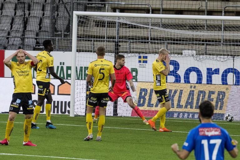 """Larsson sågar laget: """"Vi är våra egna motståndare just nu"""""""
