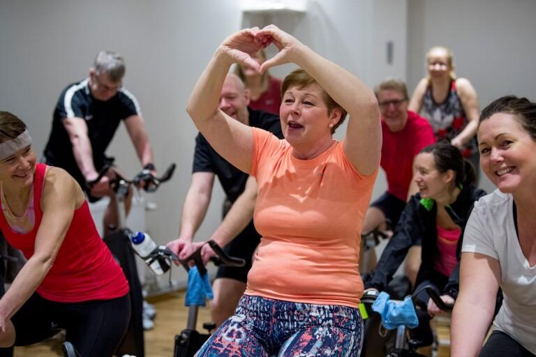 Ann-Christin cyklar för livet, kärleken – och sitt nya hjärta
