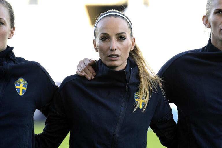 """Kosovare Asllani är en av många idrottsstjärnor som protesterat mot polisvåldet mot svarta i USA under hashtagen """"Blackout Tuesday."""" Arkivbild."""