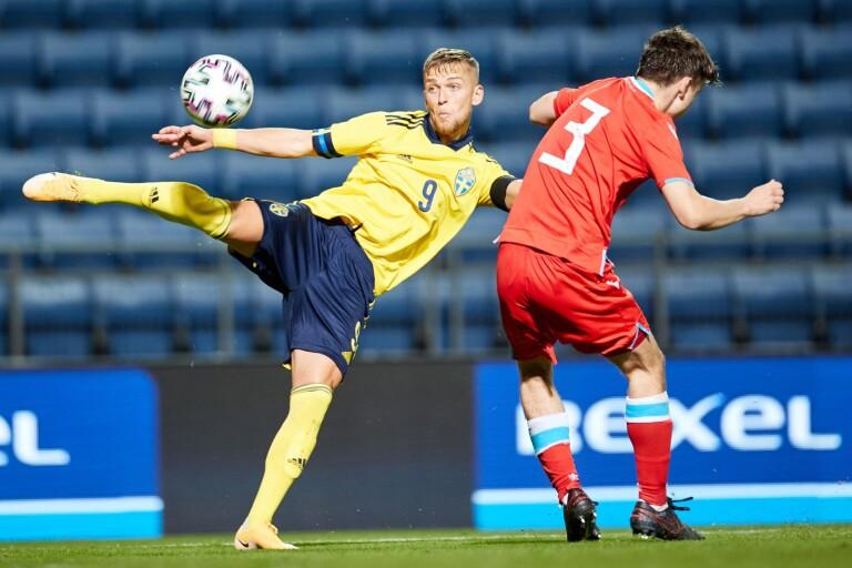 Jesper Karlsson hade stundtals lekstuga mot Luxemburg och noterades för två mål.