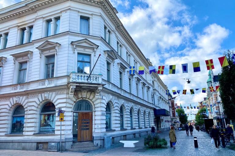 First Hotel Statts stora satsning på egen restaurang och renovering läggs på is, tills vidare, meddelar den norske ägaren.