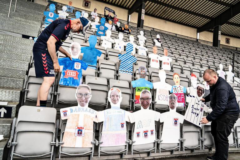 Snart kan de danska fotbollssupportrarna få komma tillbaka till arenorna.