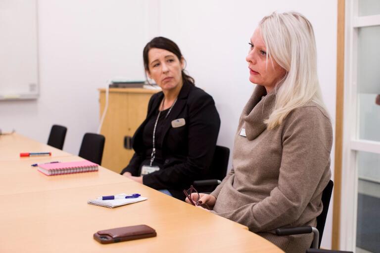 Arbetsförmedlingens sektionschefer Nicole Bouyer (till vänster) och Carina Cadier.
