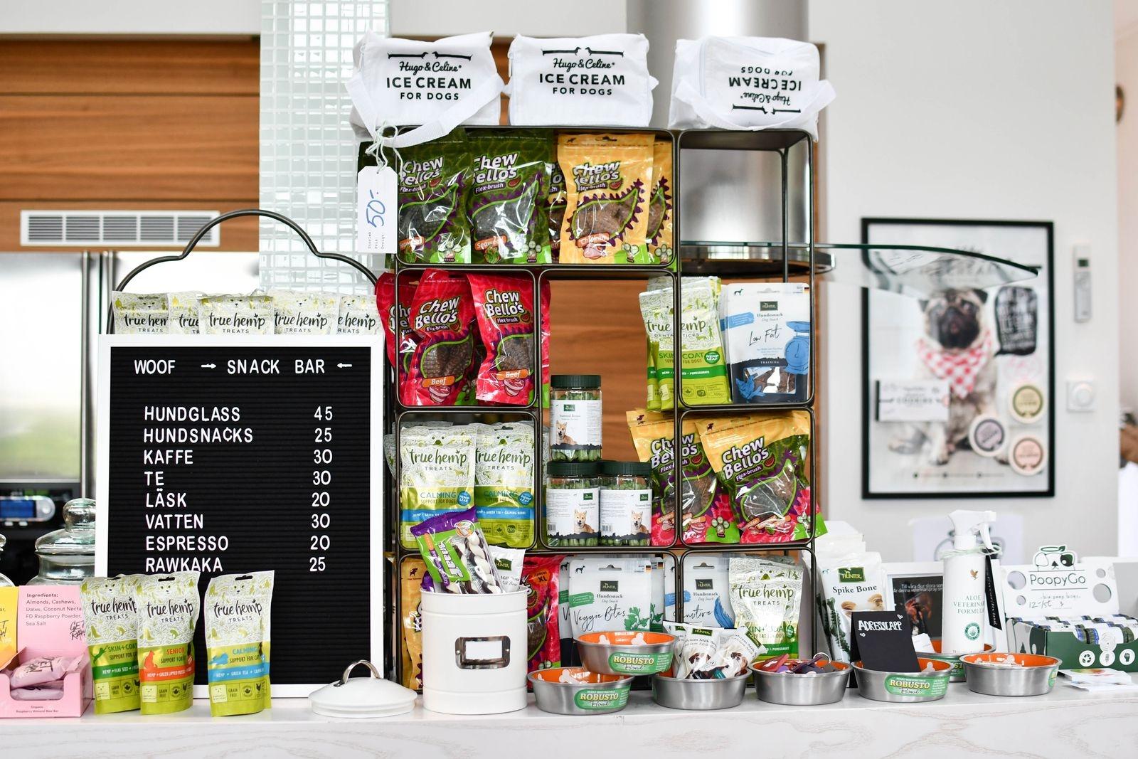 I butiken finns även en liten snackbar för både husse/matte och hund med kylda drycker, goda snacks och tilltugg.