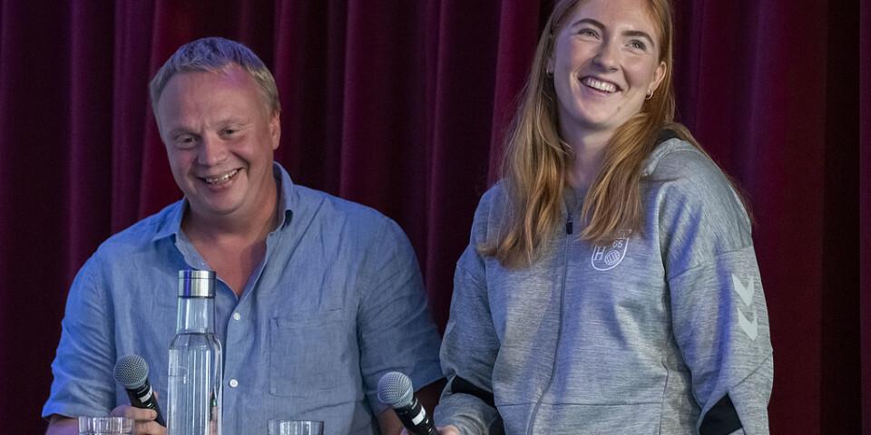 H65 Höör-tränaren Ola Månsson och lagkaptenen Sofia Hvenfelt under upptaktsträffen i Malmö. Seriekollegerna tippar den skånska klubben som vinnare av årets grundserie.
