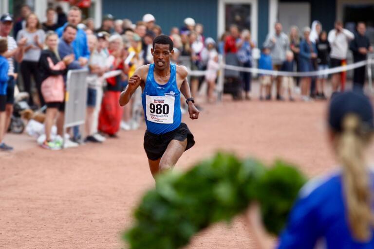 Adhanom Abraha vann Victorialoppet 2019. I år blir det ingen tävlingsklass då loppet kommer att springas utspritt över landet och flera dagar.