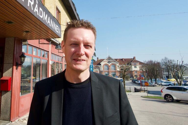 Näringslivsansvarige Ola Agermark säger att Alvesta inte jämför sig med Växjö utan fokuserar på vad kommunen själv kan påverka.