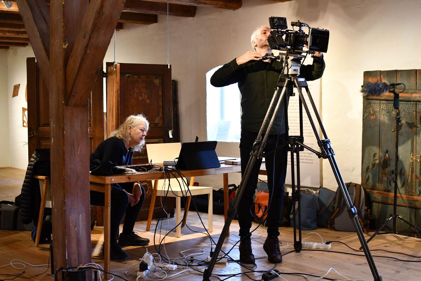 Museet har ett proffsigt team till hjälp med livesändning och filminspelning - Boel Marie Larsson och Mårten Hård.