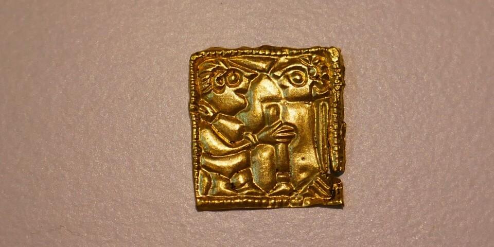 En av parfigurerna som hittats i Västra Vång.