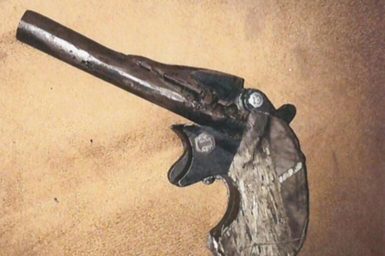 Polisnytt: Hemmagjord pistol gömdes på toaletten