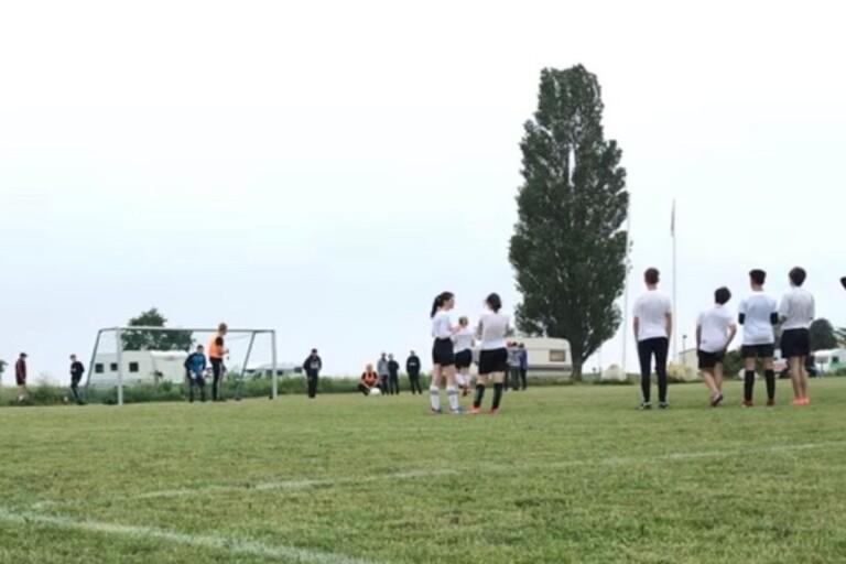 Niorna vädjar: Låt oss få ha vår fotbollsturnering