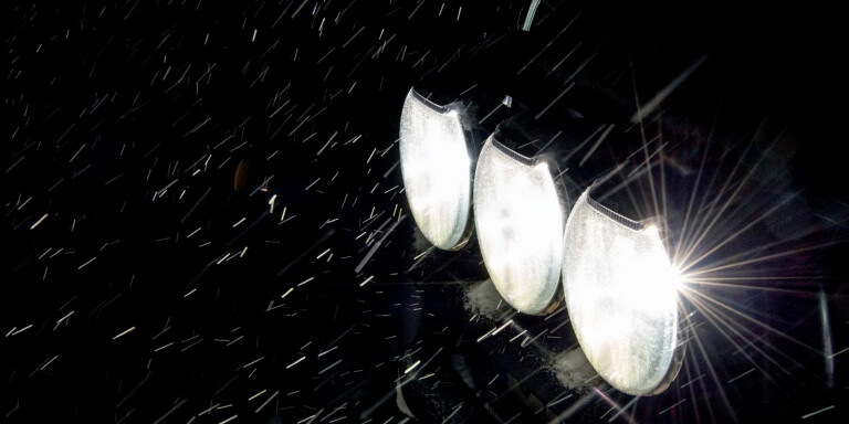 Växjöbilist blinkade med helljusen mot polisbil – döms