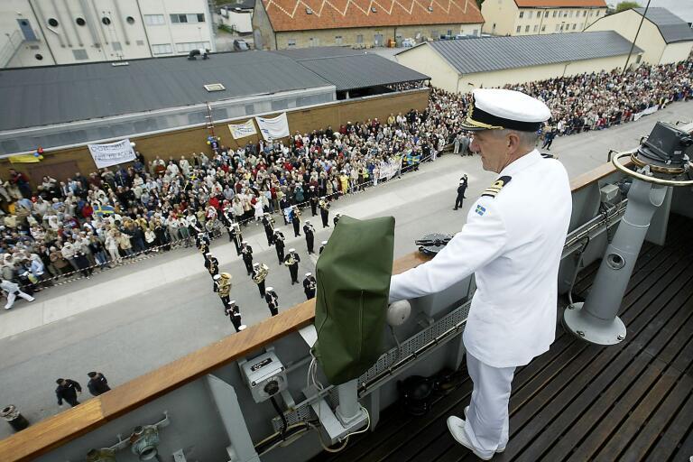 Fartygschefen Per Ståhl vid hemkomsten till Karlskrona efter den sista långresan 2005.