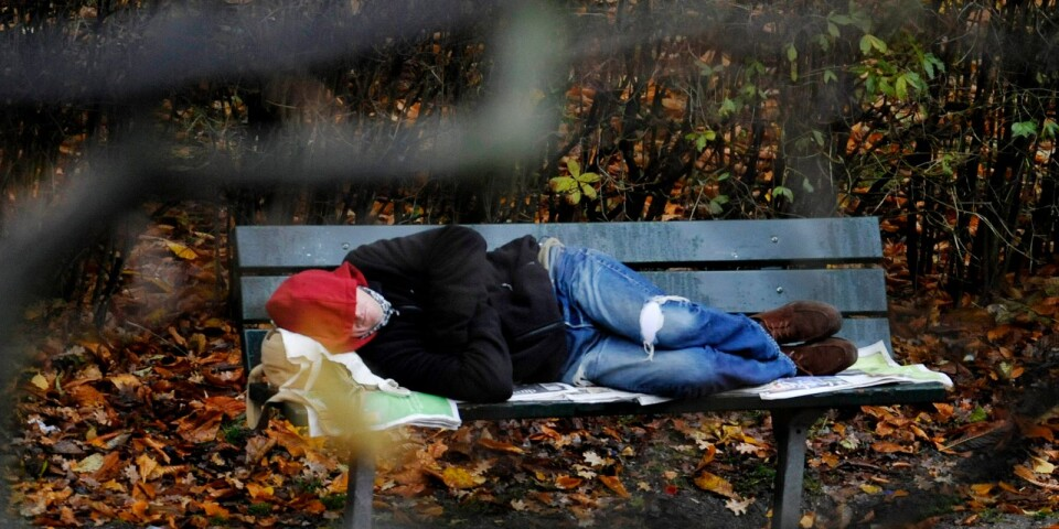 Problemen med social utslagning ökar snabbt i Sverige, i hela Sverige. Ett sorgligt bevis på detta är allt fler människor saknar bostad. Socialstyrelsens senaste kartläggning ger beskedet att närmare 300 personer bara i Kalmar kommun saknar ett eget boende.