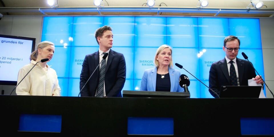 Januaripartierna under ledning av finansminister Magdalena Andersson (C) aviserade ett akut kommuntillskott.