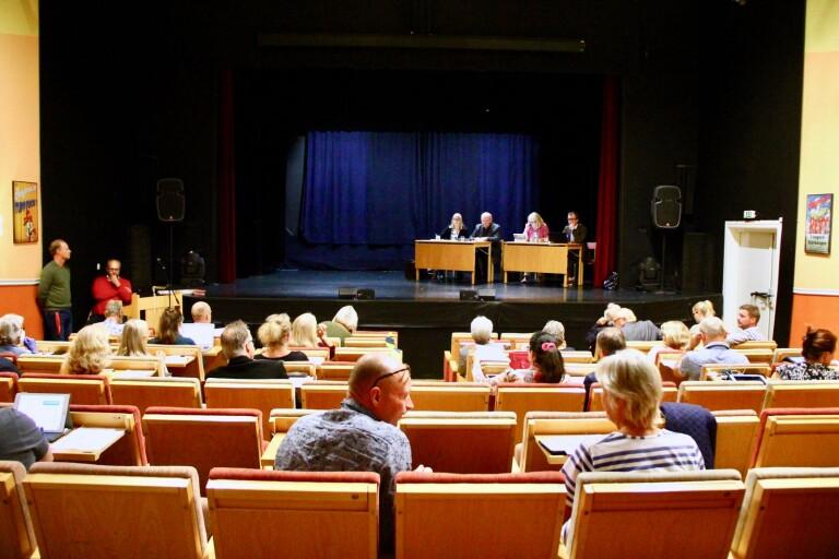 Kommunfullmäktige sammanträder med färre ledamöter