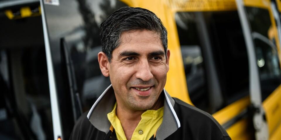 Mohamed har kört taxi i många år, först i Marocko och nu i Sverige.