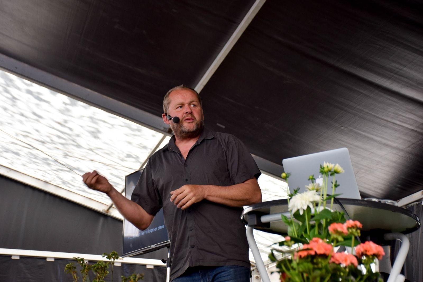 John Taylor berättar och visar hur han förändrade en tomt på 370 kvadratmeter till sitt alldeles egna miniparadis. Söndag klockan 12.00.