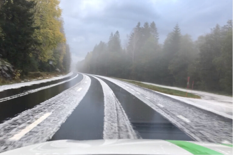 TV: Vintergata efter kraftiga hagelstormen – se bilderna