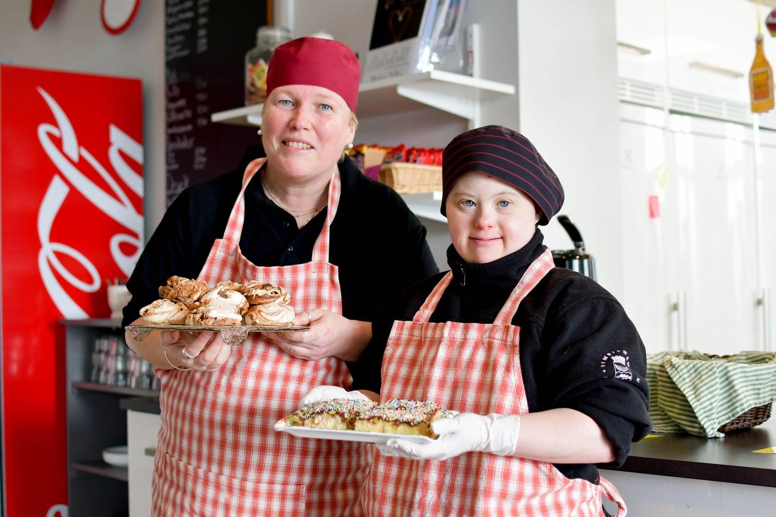 Kristina Jönsson och Ida Stenkilsson gillar båda att baka!