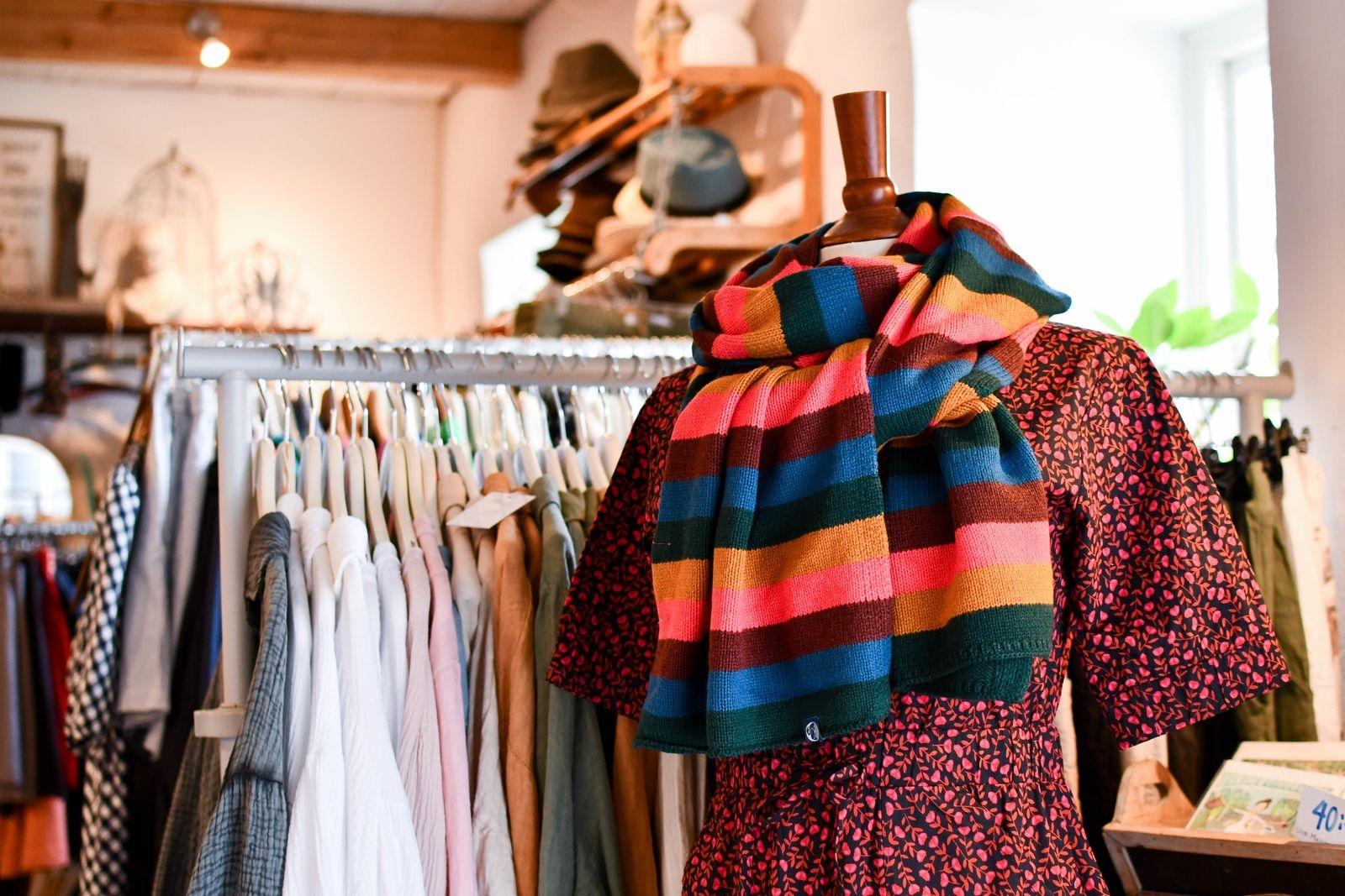 Hos Agnelill finns det inte plats för fast fashion, men däremot kläder som fungerar alla årets årstider - med rätt accessoarer.
