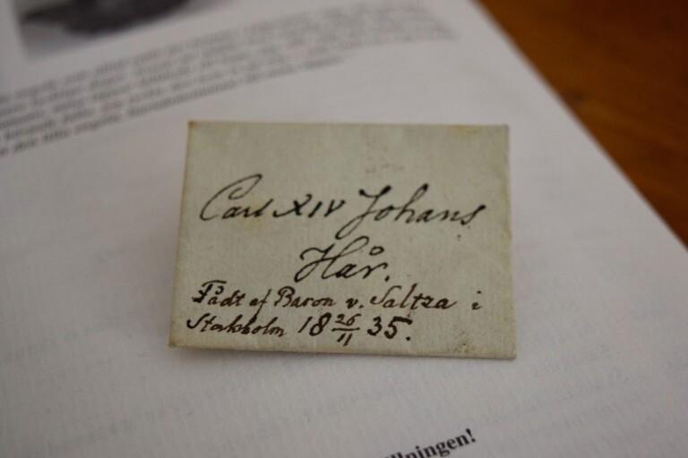 Var en tuss av Carl XIV Johans hår något att skryta med?