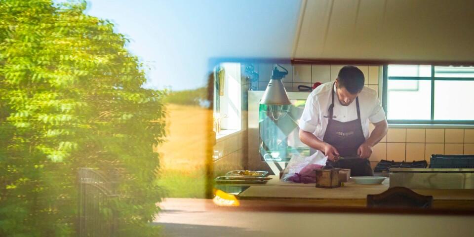 På Sörgården följer Jonathan Nordström sina egna instinkter fullt ut när han lagar mat.