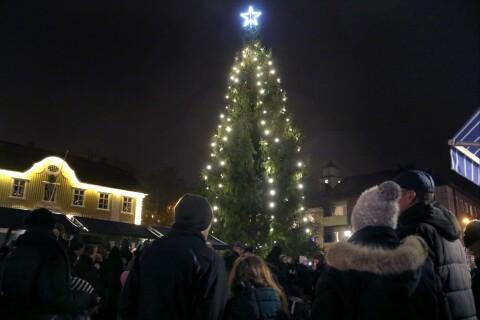 Byar fixar julstämning på egen hand när kommunen sviker