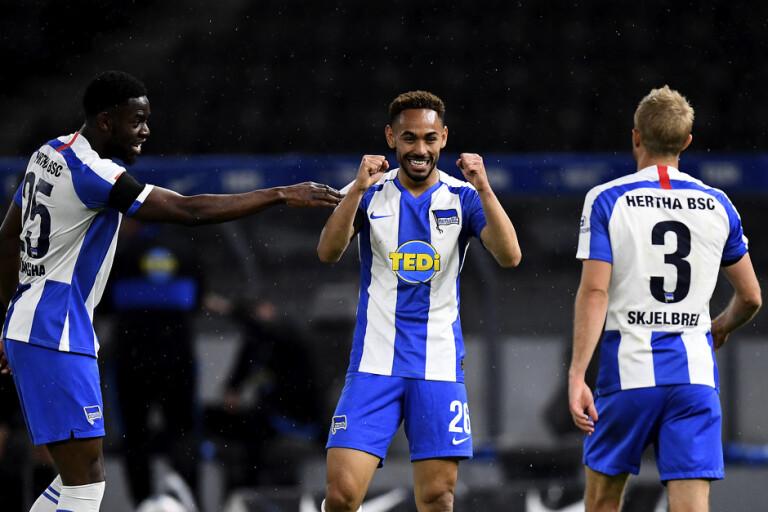 Hertha Berlins Matheus Cunha firar sitt mål i derbykrossen, 4–0, mot Union Berlin.
