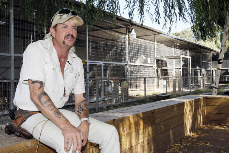 """Efter ett domstolsbeslut måste Joe Exotic från dokumentärserien """"Tiger king"""" överlämna sin djurpark till sin antagonist – djurrättsaktivisten Carol Baskin. Arkivbild."""