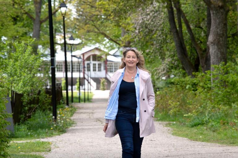 Coronapandemin ändrade arbetsuppgifterna för kommunens seniorkonsulent Lena Persson. Men den här veckan är hon glad över att ha nått sitt mål att få igång senioraktiviteter i Kyrkhult och Jämshög.