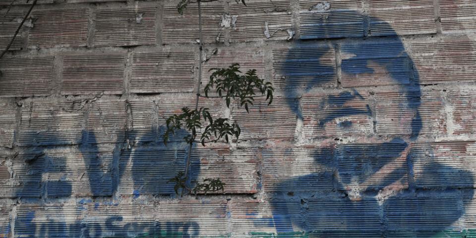 Evo Morales har fortfarande stort stöd. Här har hans porträtt målats på en mur i La Paz.