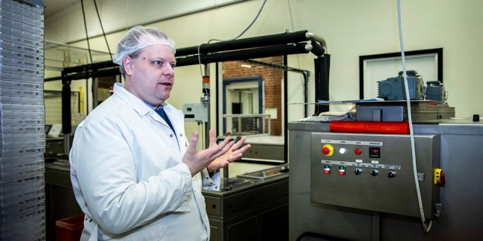 Den största delen av verksamheten, bland annat produktutveckling, design, tryckeri och chokladproduktion, ligger i Borgstena.