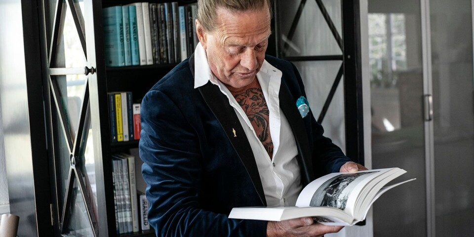 """Författaren Björn Ranelid medverkar som vanligt under Litteraturrundan och kommer bland annat prata om sin nya roman """"Bill Nilssons sista vita skjorta"""" som handlar om en pomolog och äppelodlare på Österlen."""