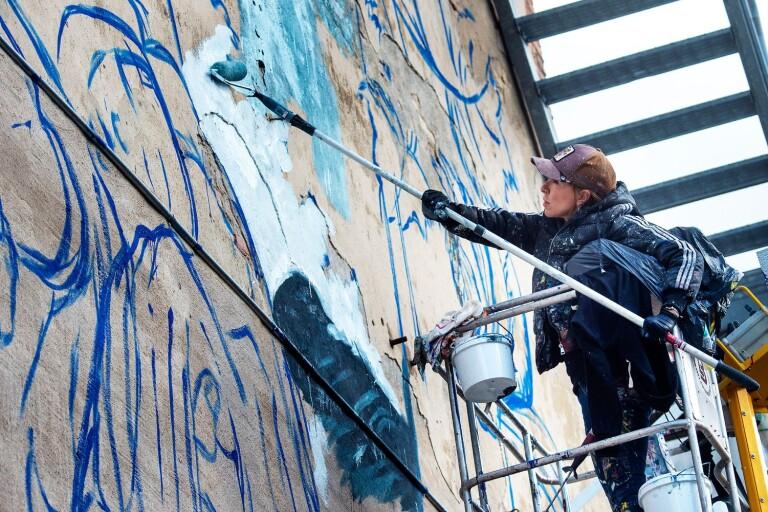 Spanish artist paints the centre