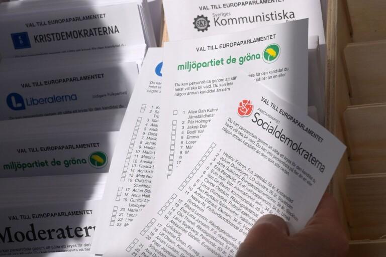 EU-valet: Någon flyttade på valsedlar i vallokalen –ingen vet varför