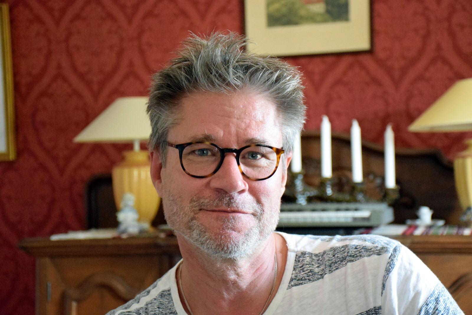 Ett liv, en gitarr och Parkinsons sjukdom med Fredrik Ekdala ges den 11 november i Tommarps bygdegård. Foto: Pär Trulsson