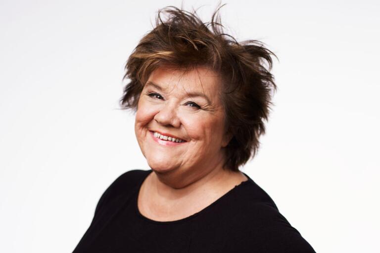 Ann Westin är en rutinerad komiker. I sommar besöker hon Tyrolen i Blädinge för första gången.