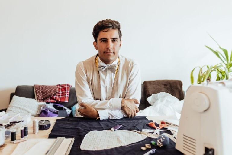 IT-killen Christopher syr alla sina kläder – och skor