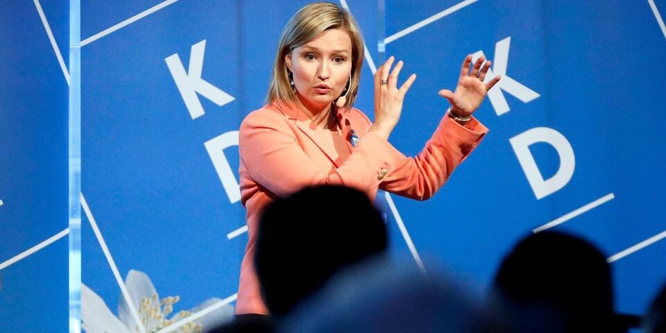 Kristdemokraternas partiledare Ebba Busch Thor (KD) stannade till i Borås för en välbesökt after work tillsammans med en av partiets kandidater till Europaparlamentet, Soheila Fors.