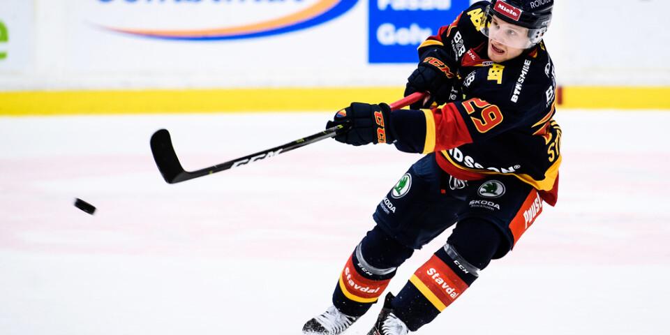 Djurgårdens Sebastian Strandberg satte 4–1 i tom kasse hemma mot Örebro.