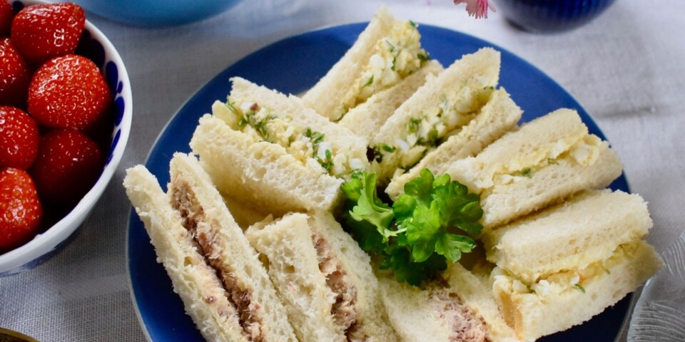 The Earl of Sandwich loved playing cards. Sandwiches, with a filling between two slices of bread, kept both fingers and cards clean.