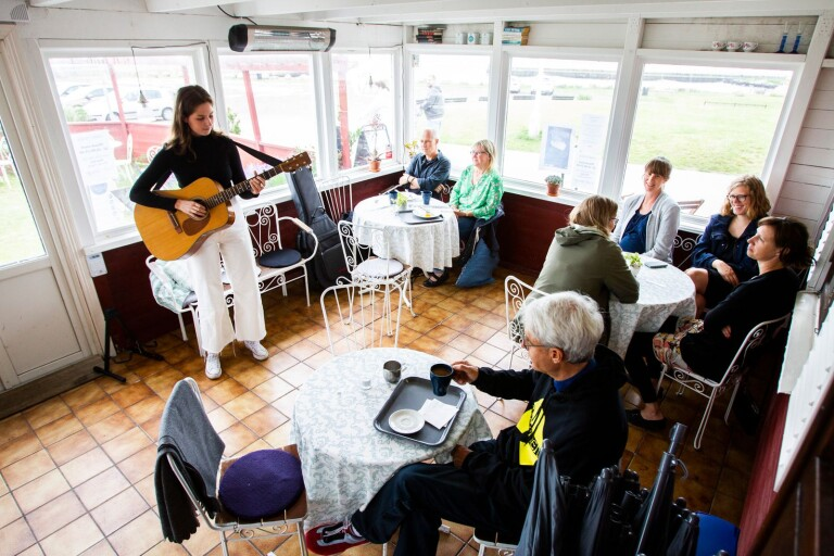 Inställd musikbåt blev improviserade konserter