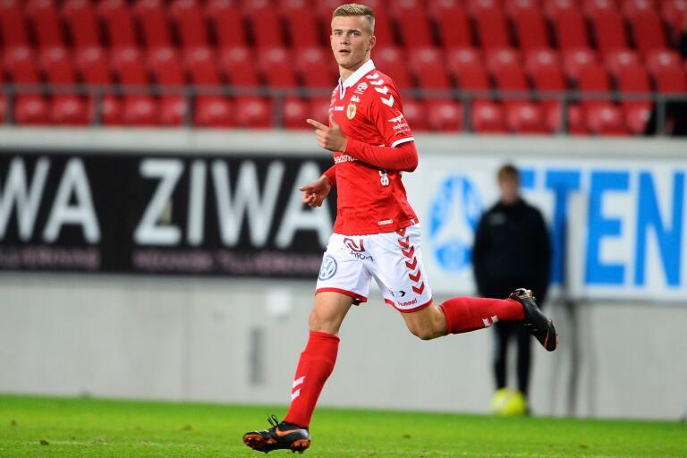 Här den 27 september 2018 byts Alexander Ahl-Holmström in och gör allsvensk debut för Kalmar FF mot BK Häcken.