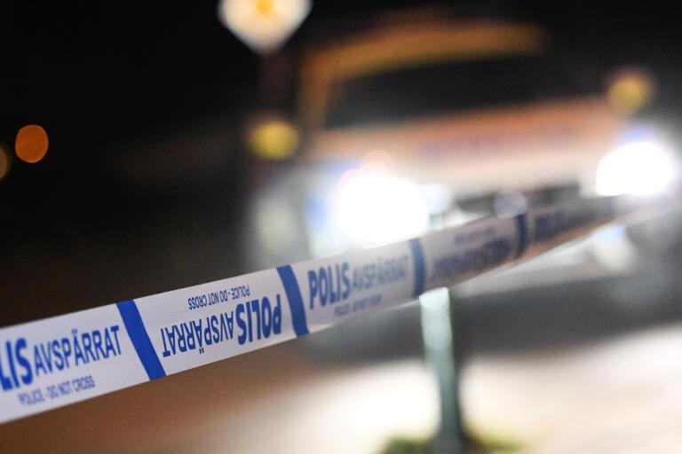 En kvinna hittades död i en lägenhet i Alingsås. En man har anhållits misstänkt för mord. Arkivbild.