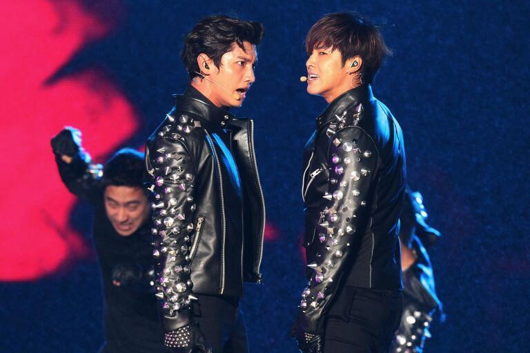 """Sydkoreanska duon TVXQ är i Japan kända under namnet Tohoshinki. I år 15-årsjubilerar de med albumet """"XV""""."""