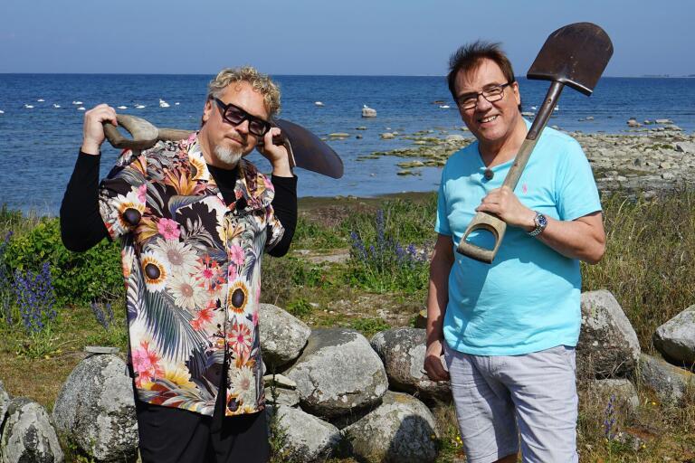 Eric Gadd och Christer Sjögren fick gräva en grop.