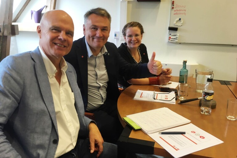 Med (troligen) mer pengar på fickan utökar Borgholms styrande majoritet ramarna för kommunstyrelsen och utbildningsnämnden med totalt 3 750 000 kronor. På bilden: Staffan Larsson (C), Ilko Corkovic (S), Sara Kånåhols (V).